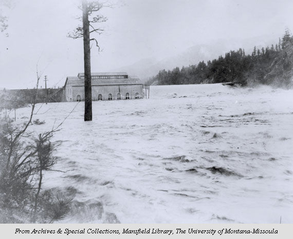Clark Dam at Bonner during the flood of 1908. Later known as Milltown Dam, it was removed in 2010
